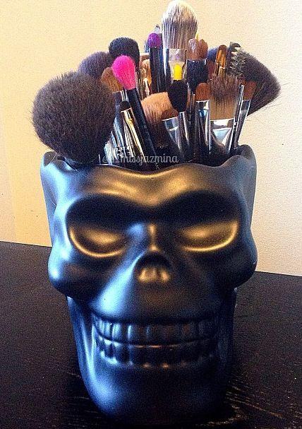 Skull Makeup Holder