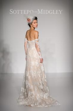 View More: http://mikecolon.pass.us/maggie-sottero-bridal-market