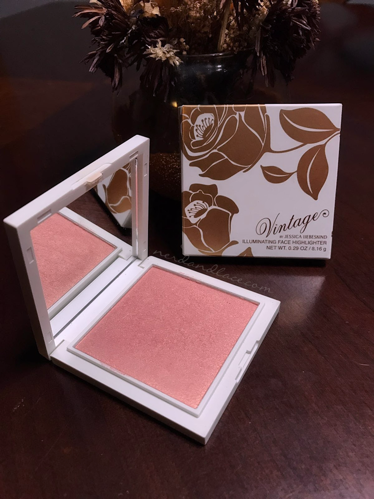 vintage-by-jessica-liebeskind-illuminating-face-highlighter-1